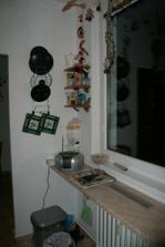 Kuchyně - pultík pod oknem