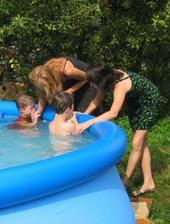 Prvý plač v bazéne :-(
