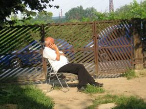 Laco telefonuje... (strýko, ktorému vďačím za to, že som mala svadbu v ten deň, ktorý som si vysnívala)