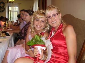 najkrajšie družičky sestrička Míška a kamoška Anitka