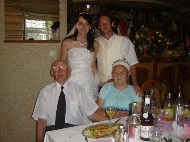 Silvia Krajčiová{{_AND_}}Daniel Kupča - so starými rodičmi