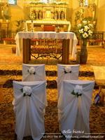 stolicky v kostole