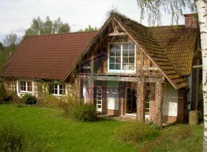 Toto jse skutečný dům, staženo z realitky, kdyby byl blíž mému bydlišti, asi bych nestavěla, ale už bydlela :)