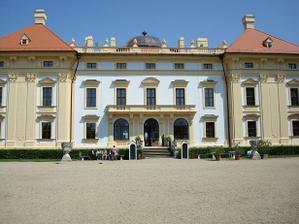 zamek zezadu