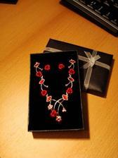 tak to je můj náhrdelník a naušničky