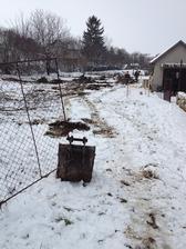 .. takto nás prekvapilo počasie 27.03.13 keď už boli kmene vytrhnuté a čistilo sa ...