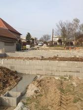 20.04.13 .... zaliate :))) ... 15m³ betónu išlo do DT-čiek