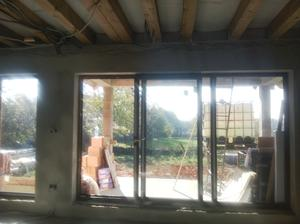 naše okná v obývačke :) ... slniečko riadne svietilo ..