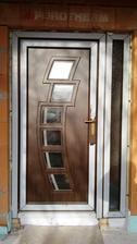 naše vchodové dvere :)