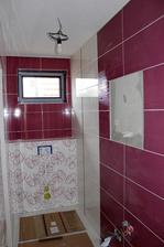 16.02.14 ... a takmer hotovo .. ešte osadiť wc, batérie, skrinky a umyť :)