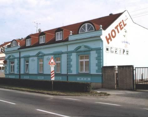 26.4.2008 - hotel na svatební noc...