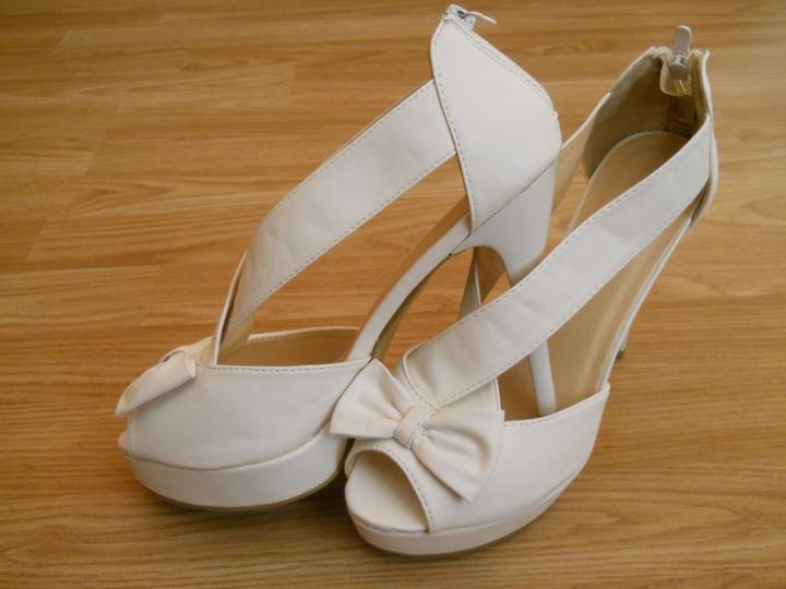 Čo už máme!? - a toto sú tie pravé... moje svadobné topanočky