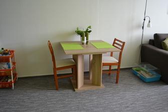 Jídelní kout - sháníme židle ve stejném dekoru. :)