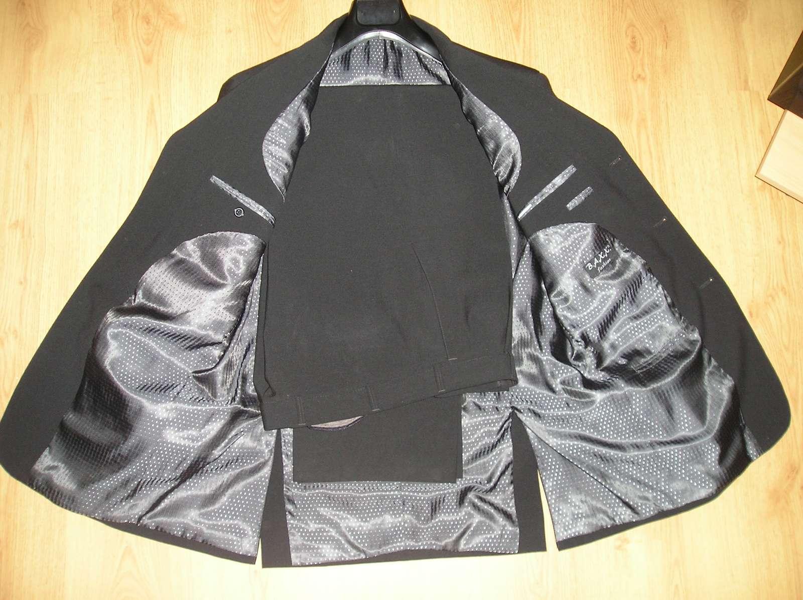 Čierny oblek  - Obrázok č. 2