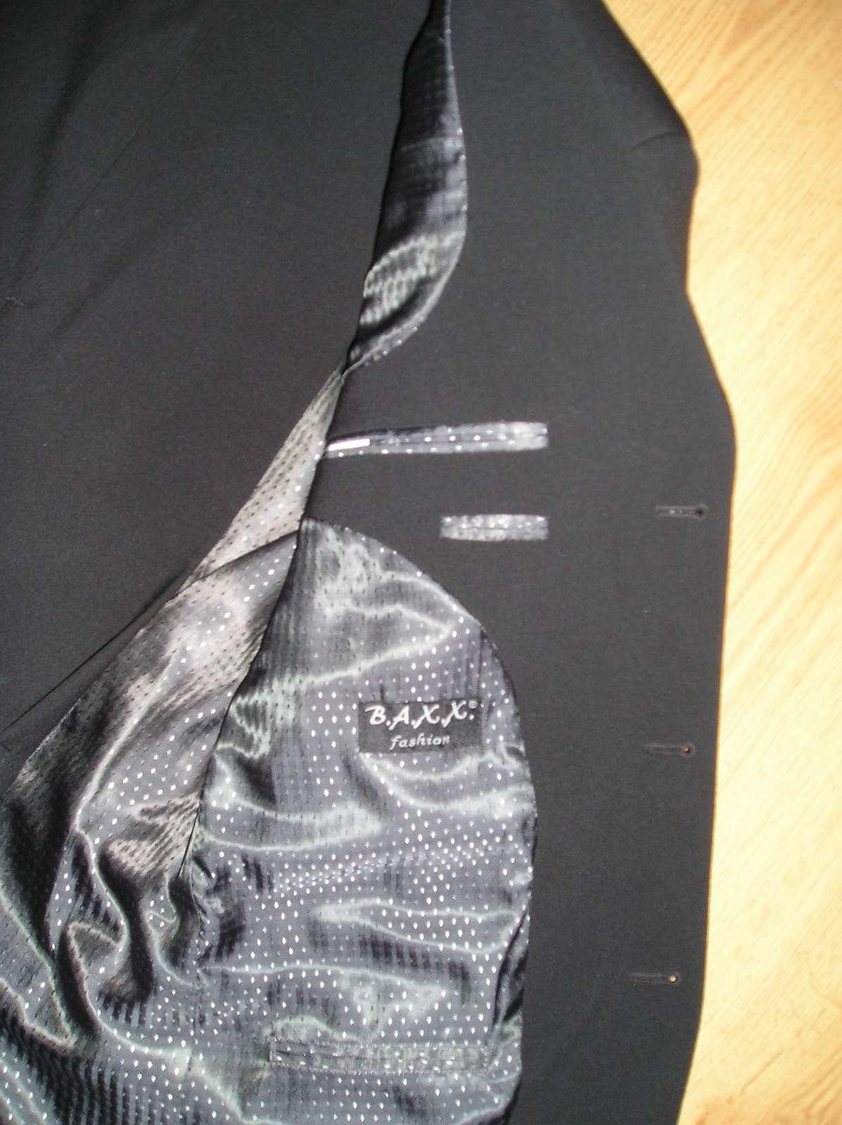 Čierny oblek  - Obrázok č. 3