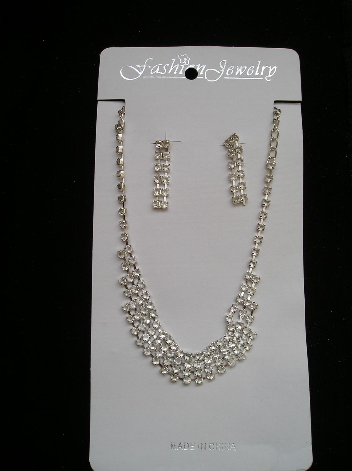 Set náušnice a náhrdelník - Obrázok č. 1