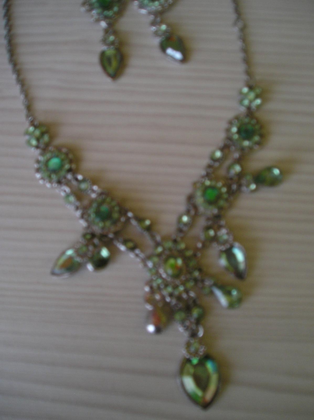 Zelený set-náušnice a náhrdelník - Obrázok č. 3