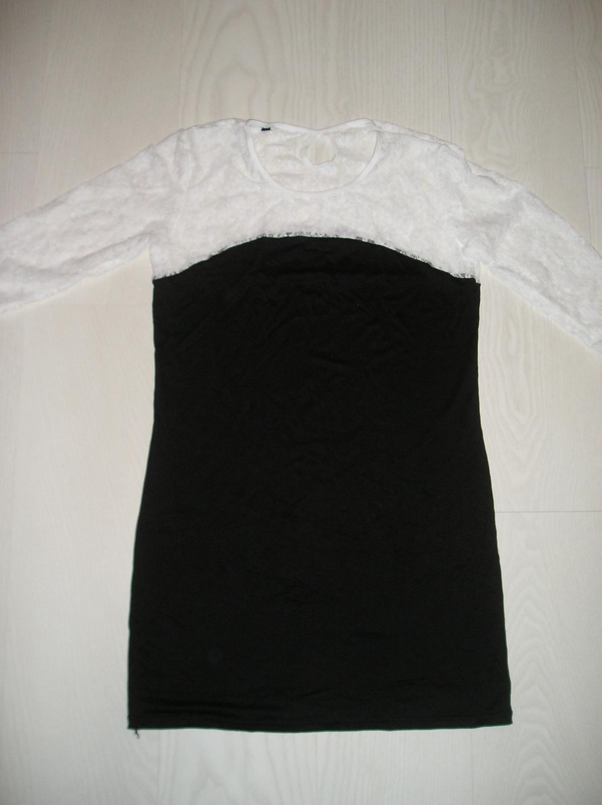 Čierna tunika s bielou krajkou  - Obrázok č. 1