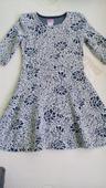 Šaty s točiacou sukňou, 122
