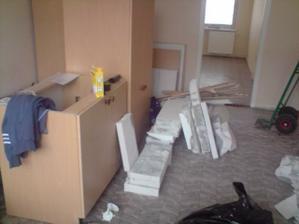 tak a zacina bourani noveho bydleni :-)...obyvak