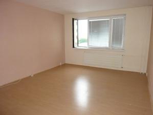 najväčšia izba 4,5 x 5,3 m obývacia izba