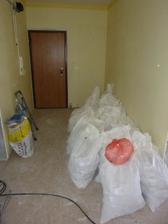 odpad zo zbúranej steny