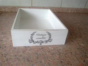 Stara krabica od kozmetiky bude sluzit dalej