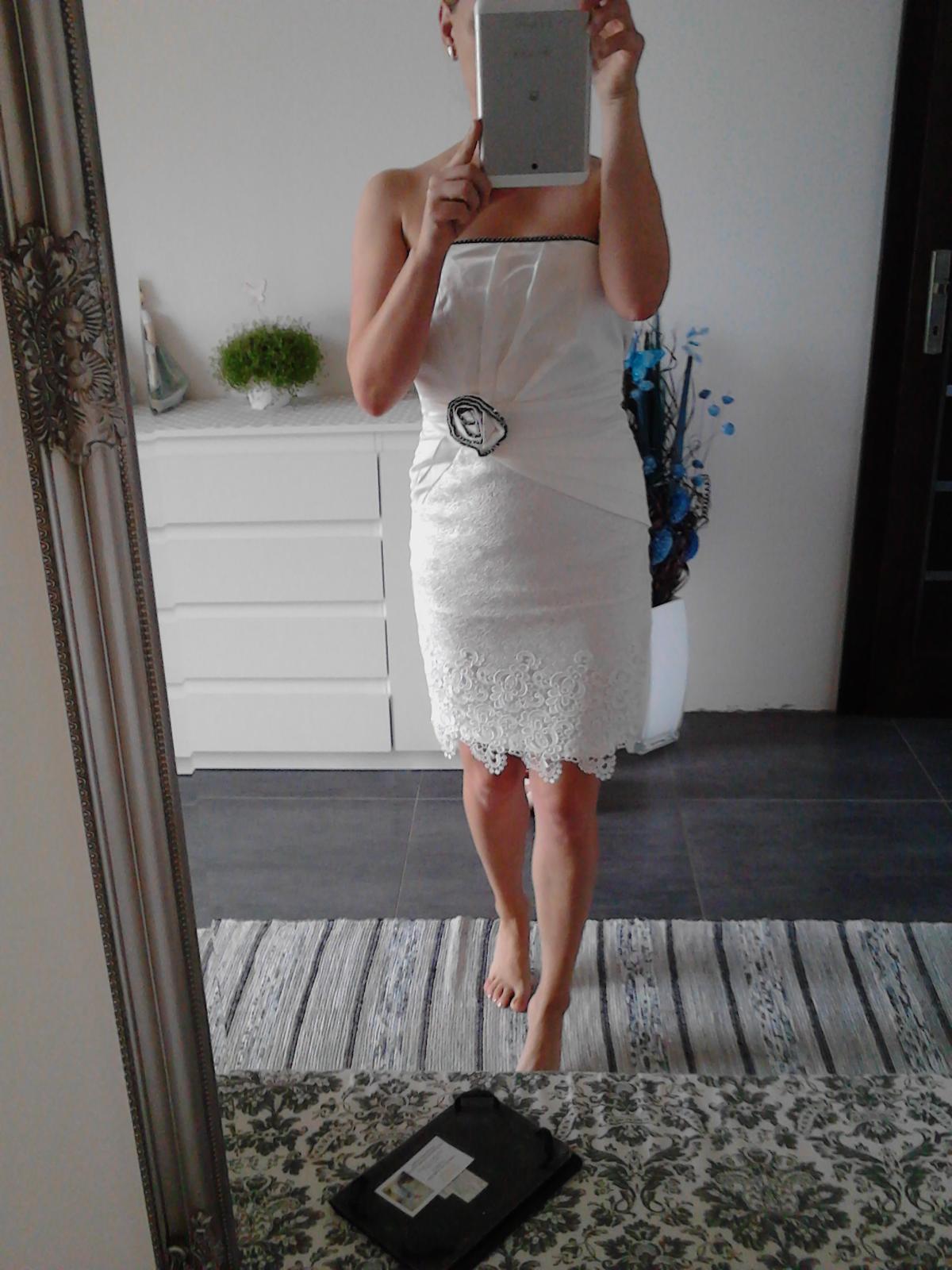 Pekné šaty - Obrázok č. 1