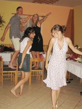 ...tančírna...