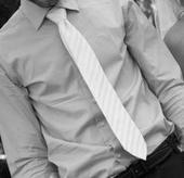kravata bílá s jemným pruhem, 42