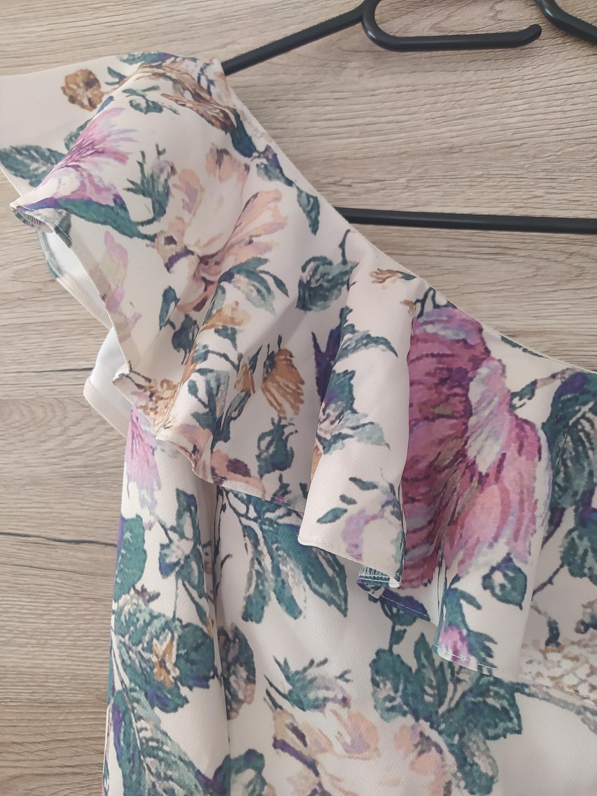 Kvetinové spoločenské šaty - Obrázok č. 4
