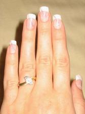 zásnubní prstýnek,dostala jsem ho 2.8. na naše půlroční výročí