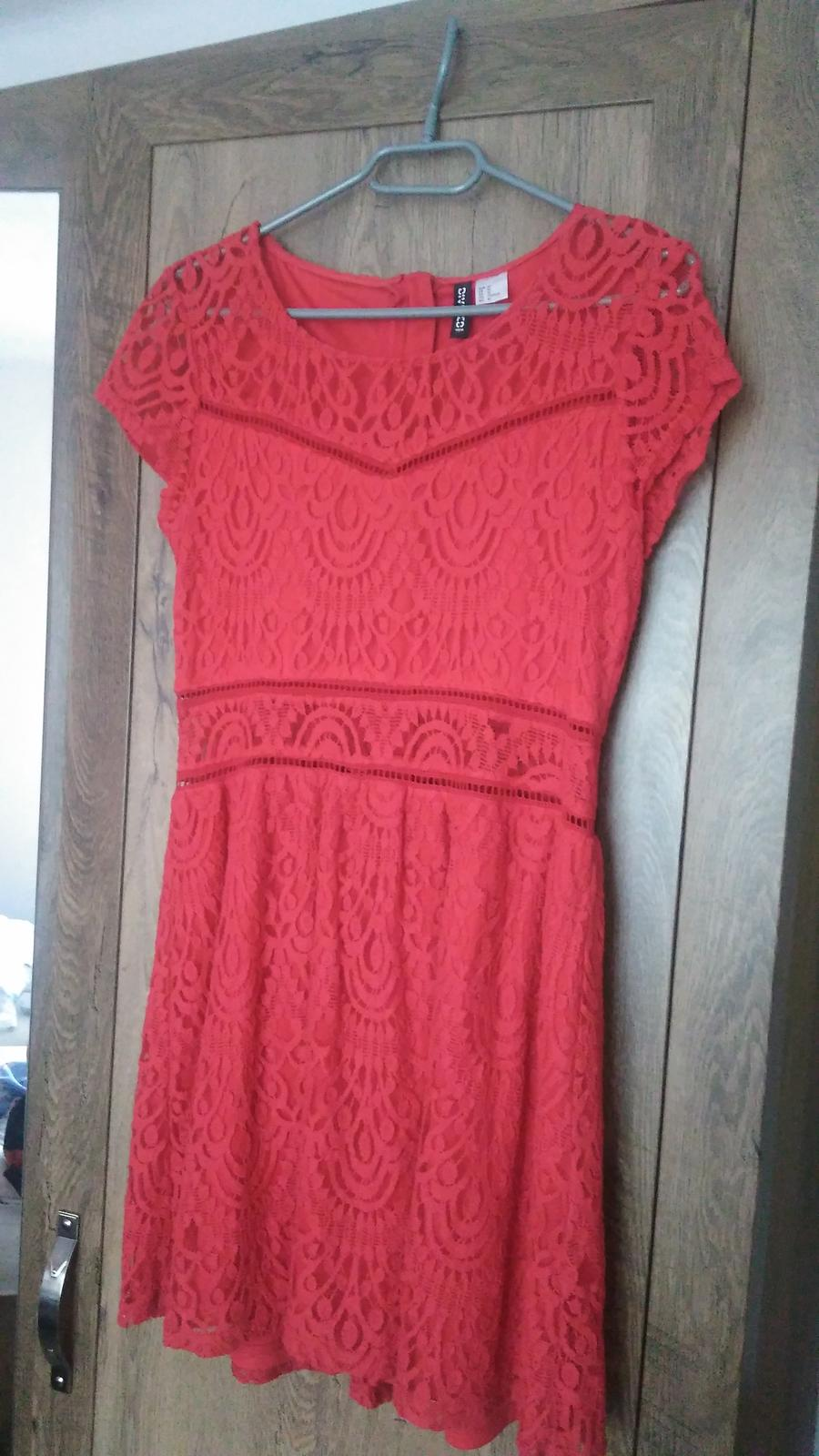 Červené čipkované šaty H&M č.40 - Obrázok č. 2