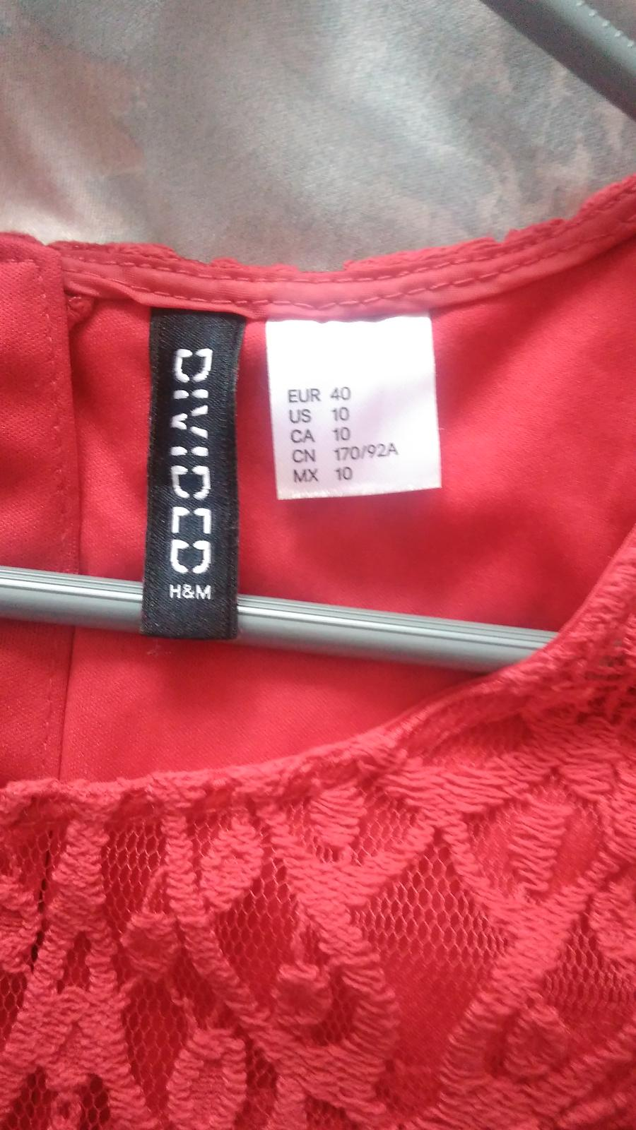 Červené čipkované šaty H&M č.40 - Obrázok č. 4