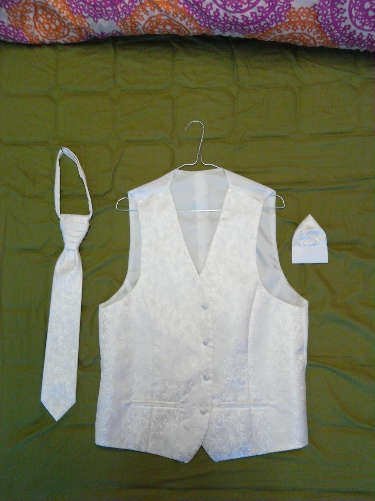 Svadobná vesta + francuzska kravata a vreckovka - Obrázok č. 4