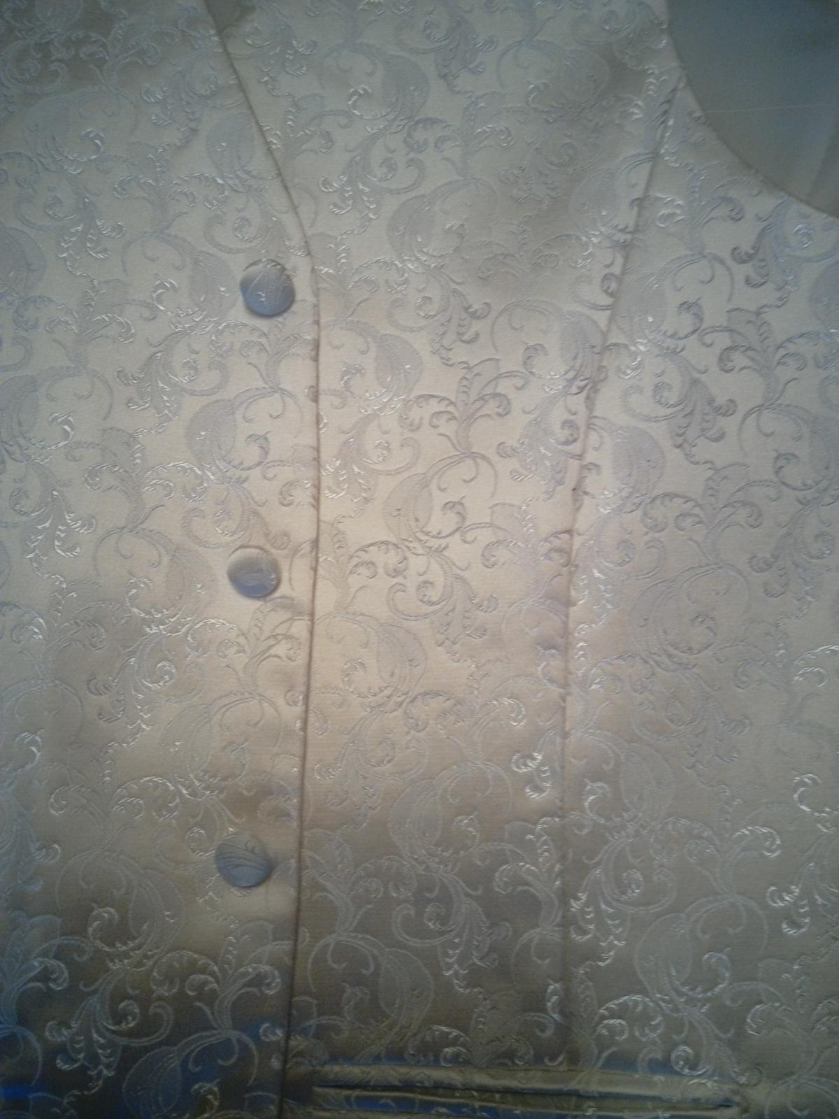 Svadobná vesta + francuzska kravata a vreckovka - Obrázok č. 3