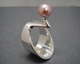 biele zlato - 14 karátov, ružová perla - pravá