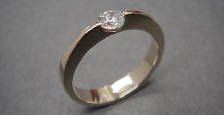 biele zlato - 18 karárov, diamant priemer 3,15 mm