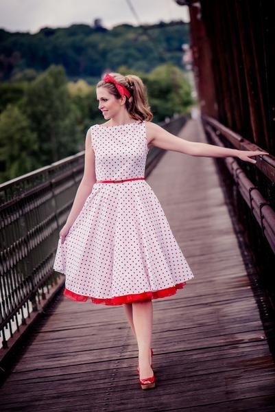 Sháním retro šaty - poradíte     - - Společenské ... a1fe45ec8fb