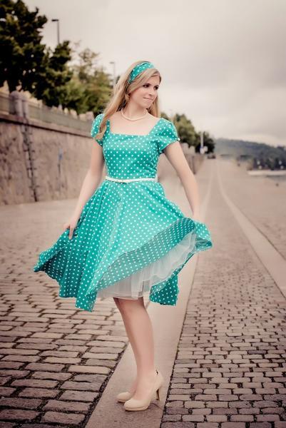 Sháním retro šaty - poradíte     - - Společenské ... d7c978cb84