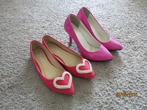 moje botičky.... ve skutečnosti jsou i ty balerýnky růžové