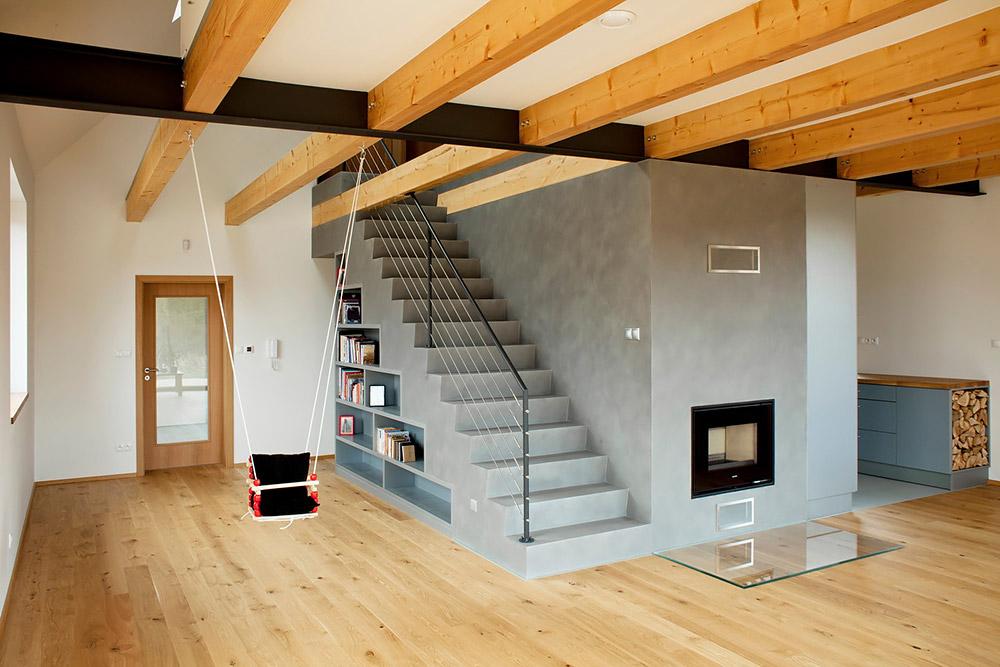Pasívny dom na samote pri lese - Objekt je vyprojektovaný presne na modul tehly a to, že sa nemuselo nič dorezávať, je pre vytvorenie muriva s parametrami pasívneho domu veľmi podstatné.