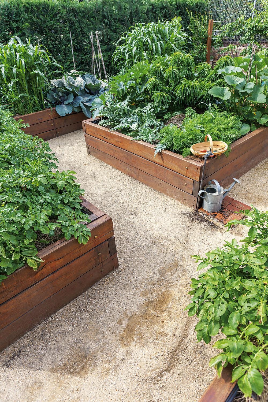 Ako založiť vyvýšený záhon - Vyvýšené záhony sú moderné, vkusné a prinášajú úrodu bez starostí. No kto by im odolal?