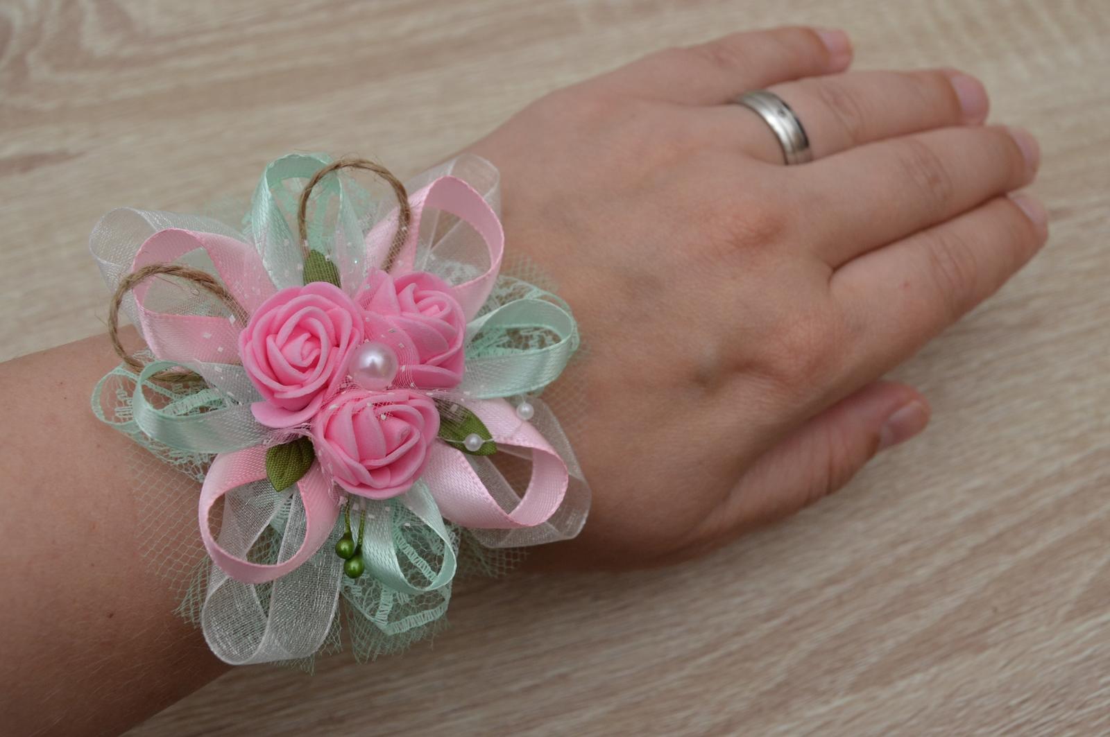 Růžovo mintový náramek pro družičku - Obrázek č. 1