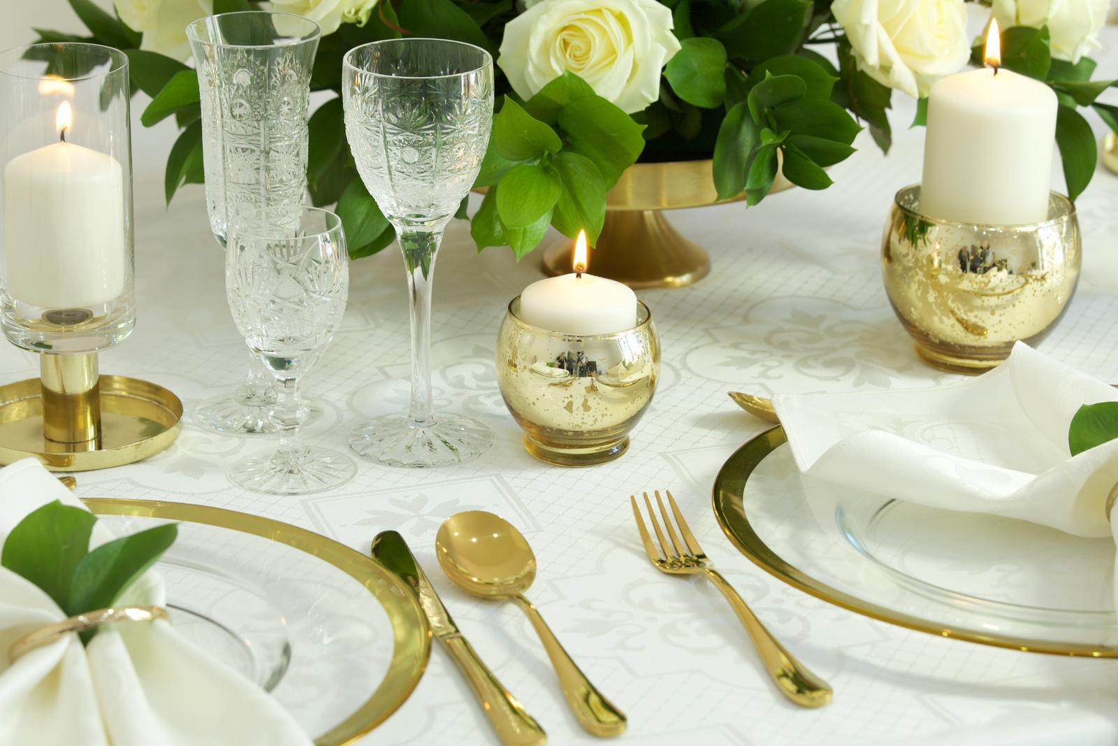 Klubové taniere na predaj - hladké so zlatým lemom - Obrázok č. 3