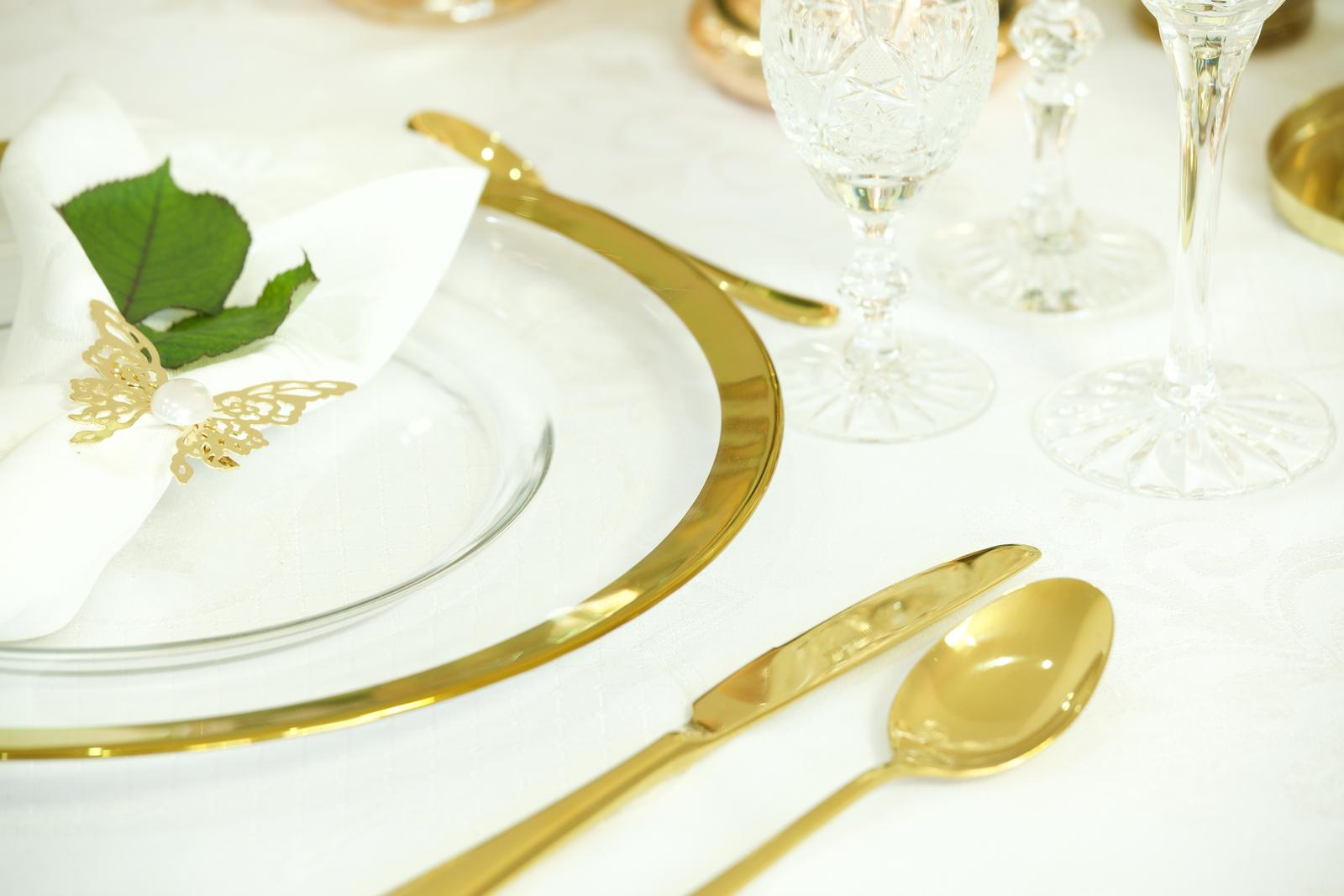 Klubový tanier na predaj - hladké so zlatým lemom - Obrázok č. 2