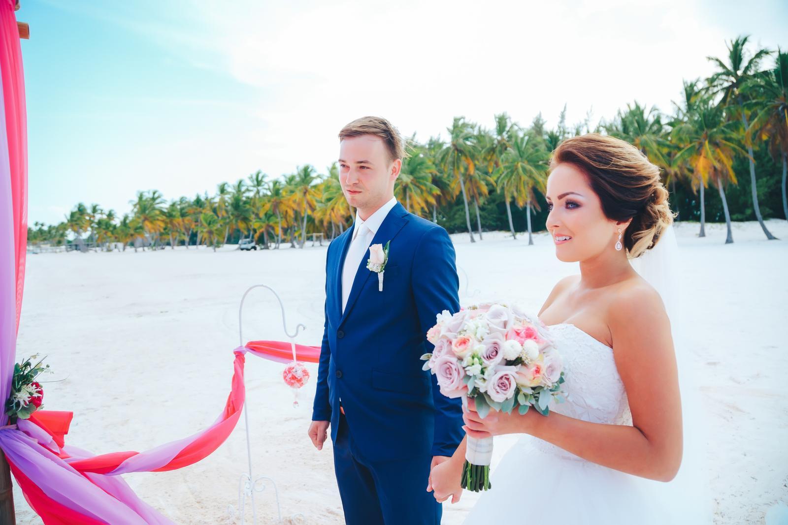 Tak a abych nezapomněla, zde je naše svatební video... :-)  https://www.youtube.com/watch?v=7YfsImtAAGY&t=7s - Obrázek č. 1