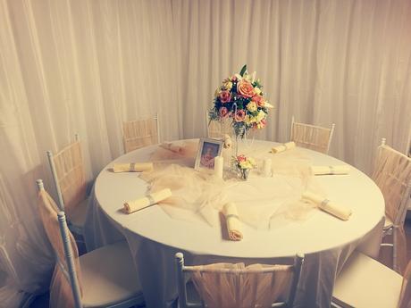 Banketové stoly (160cm priemer) pre 8-10 ludí - Obrázok č. 1