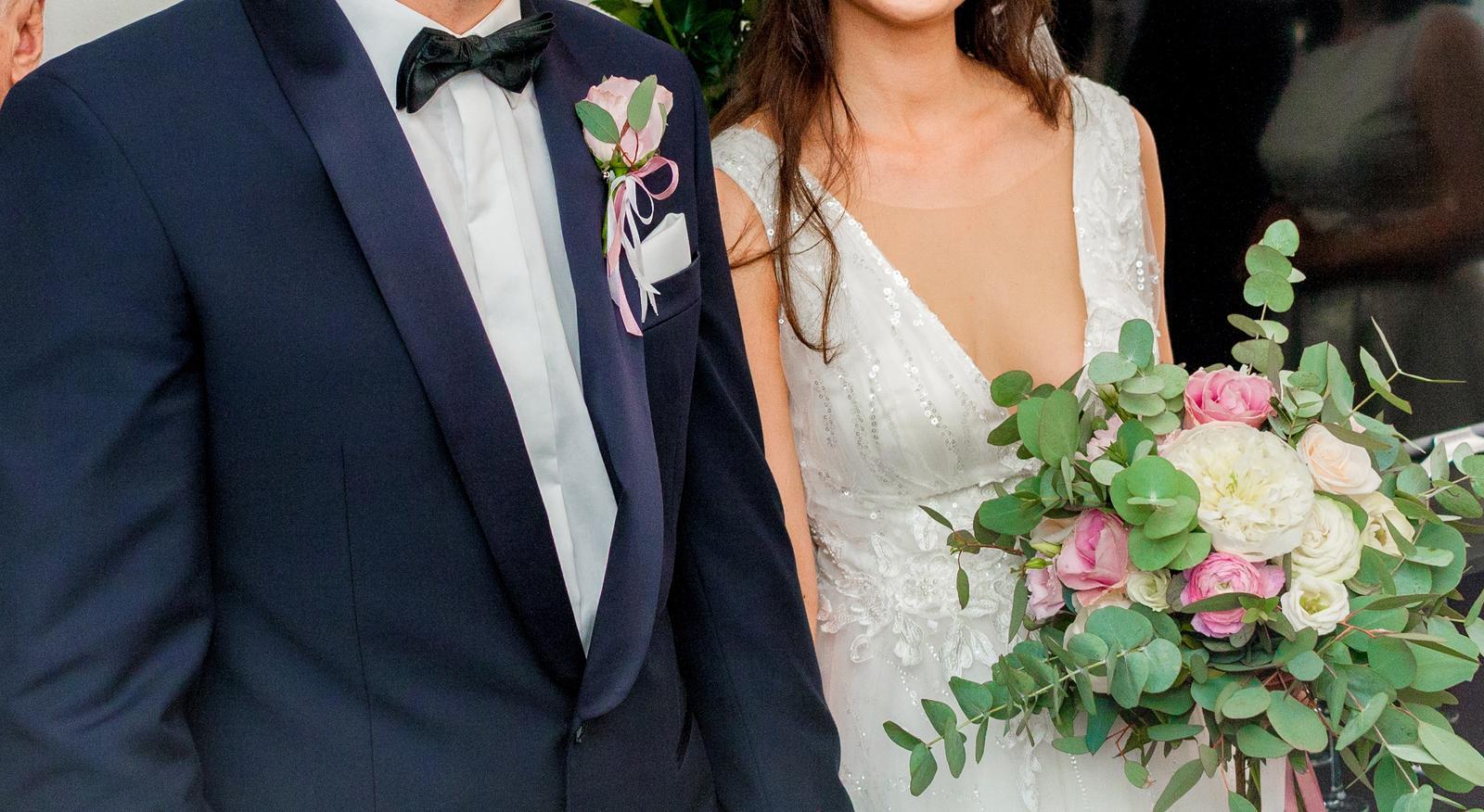 Svadobné šaty - výstrih do V - Obrázok č. 3