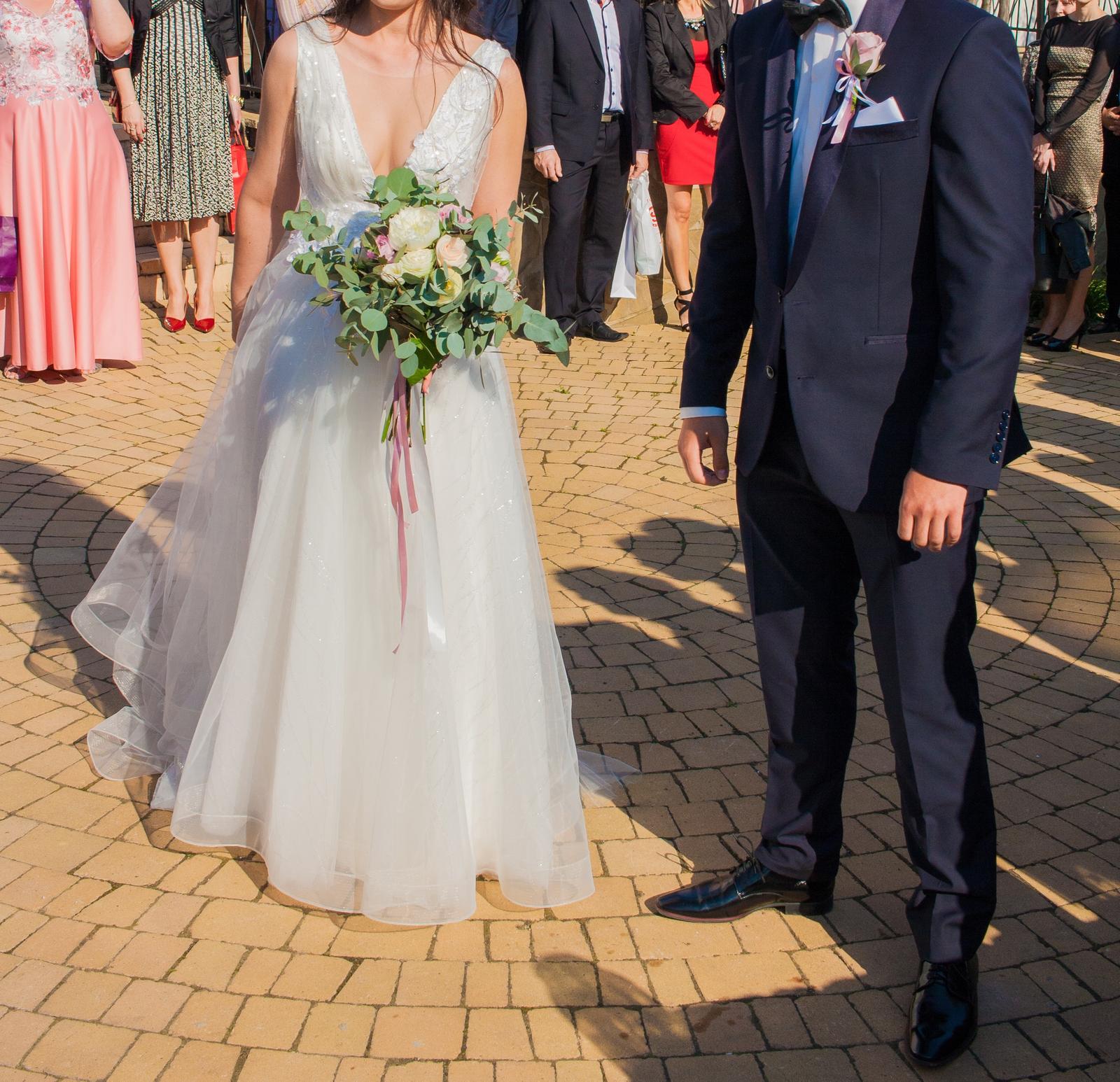 Svadobné šaty - výstrih do V - Obrázok č. 1